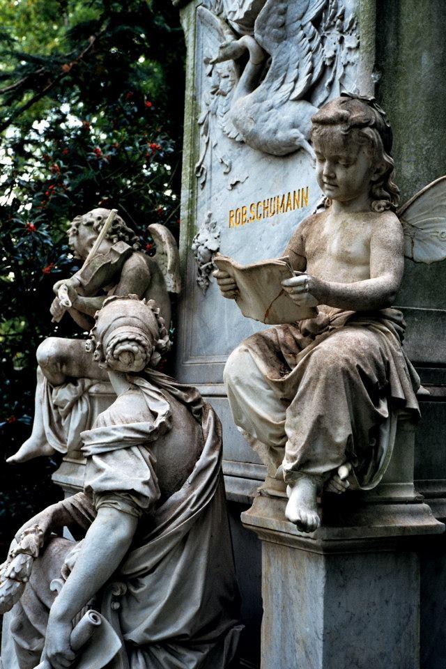 舒曼墓地局部
