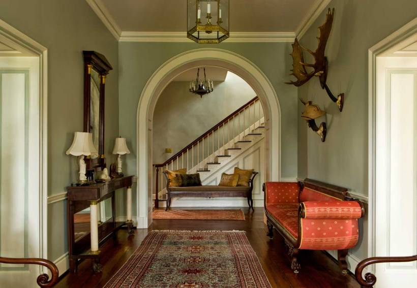 【門廳】美國帝政式古董Scalamandré絲面沙發、法國復辟時期風格扶手椅