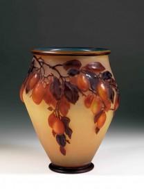 花瓶,套料雕刻,1900。