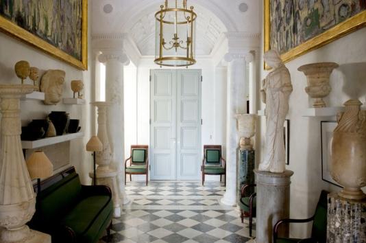 【門廳】Hubert Le Gall的古物畫、希臘女神雅典娜(Athéna)全身像、Jacob-Desmalter 帝政式綠色座椅