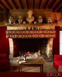 【餐廳】瓷器皿、十九世紀酒神像、十八世紀橫樑