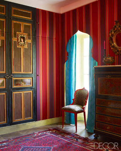 【客房】文藝復興式門、 Elizabeth Garouste椅 、拿破崙三世鑲嵌寫字台、伊朗地毯