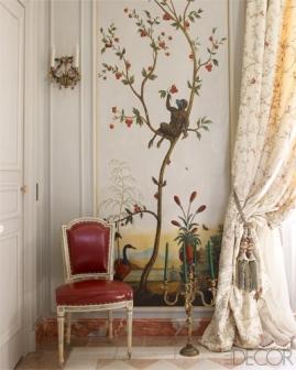 【餐廳】十八世紀中國風繪製鑲板牆面、十八世紀鍍金燭臺