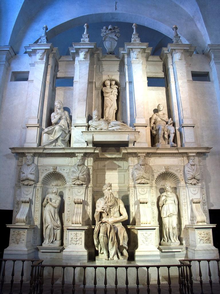 一,米開朗基羅製作,位於羅馬聖彼得鎖鍊教堂中的教宗尤里烏斯二世(Julius II, 1443-1513)陵墓。