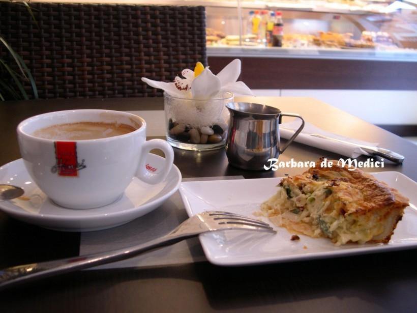 法國史特拉斯堡的下午時光:一個鹹派一杯咖啡