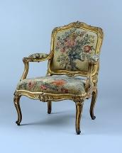 金彩雕刻扶手椅(Chair à chassis),十八世紀初,博韋地區(Beauvais)刺繡繃布。