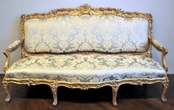 扶手沙發(Canapé à chassis),約1753年,收藏於巴黎裝飾藝術美術館(Musée des Arts Décoratifs)。