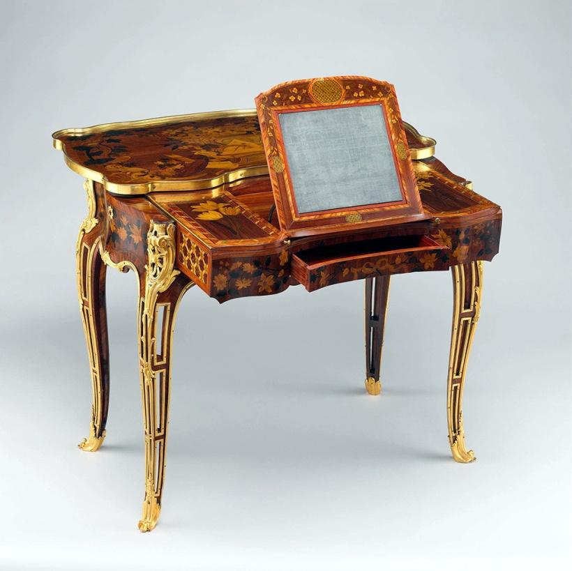 歐本(Jean-François Oeben),機械變形桌(Mechanical table),為龐巴度夫人設計,歐本死後,由拉克洛(Roger Vandercruse Lacroix, 1728-1799)製作完工,約1761-63,The Metropolitan Museum of Art, New York。圖片出處
