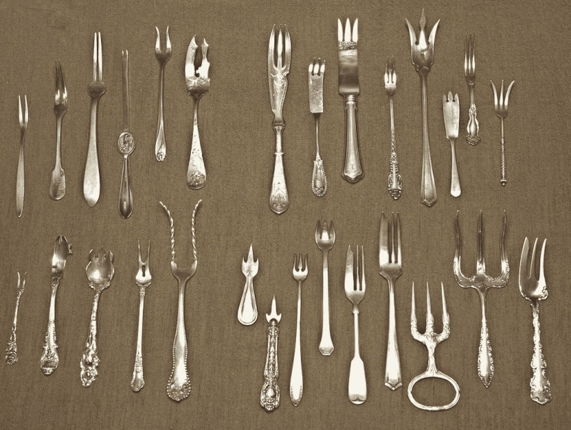 selection of forks & size comparison