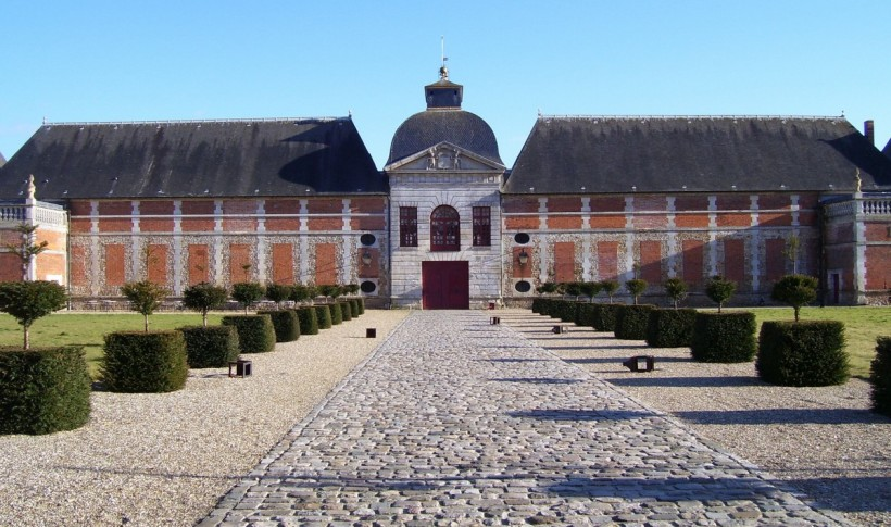 Chateau_du_Champ-de-Bataille_entrance