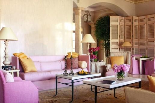Pink-living-room-copy-700x468