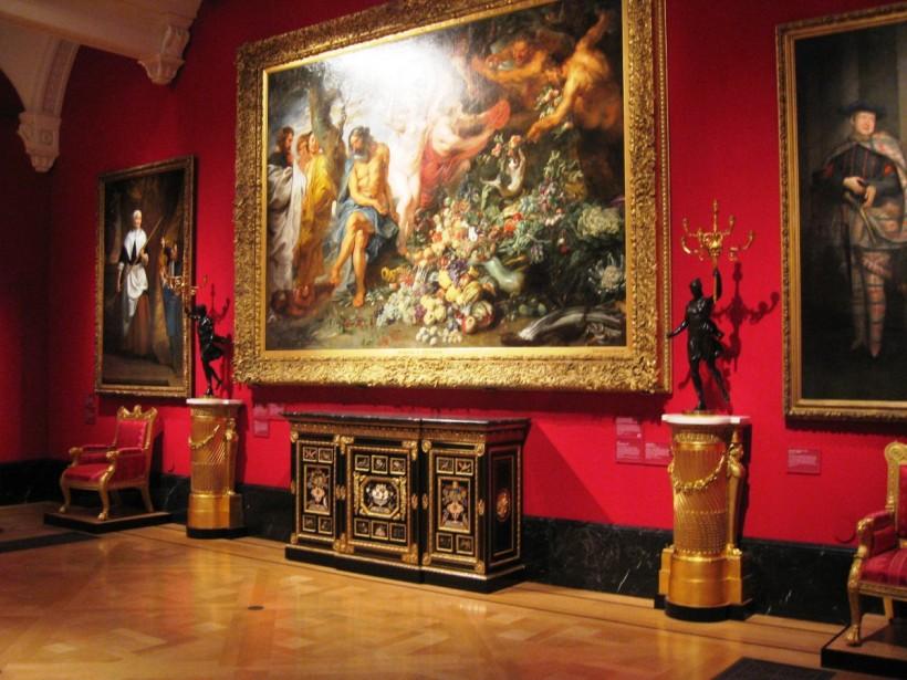 白金漢宮的女王藝廊(Queen's Gallery),定期輪流展示英國王室收藏。