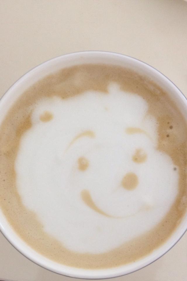 這幅小熊維尼是Sugi第一次嘗試Latte Art
