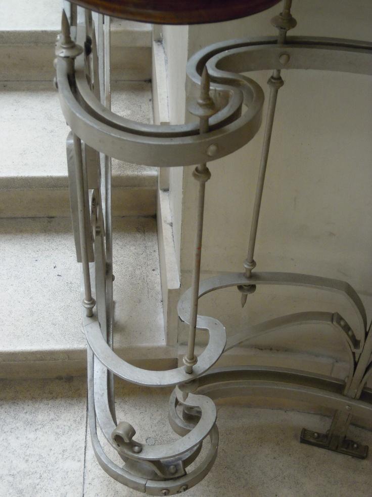 沃奎茲倉庫中的鑄鐵樓梯設計