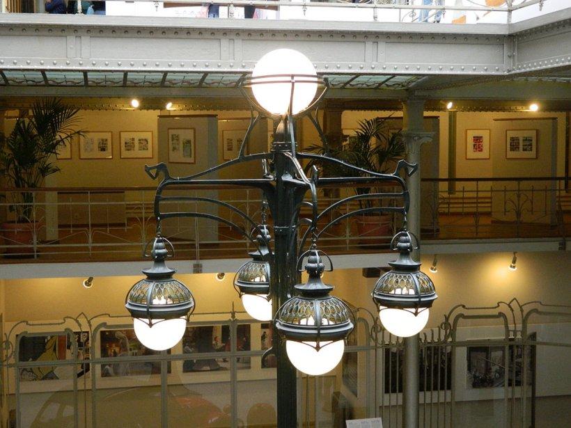 沃奎茲倉庫中的新藝術造型立燈