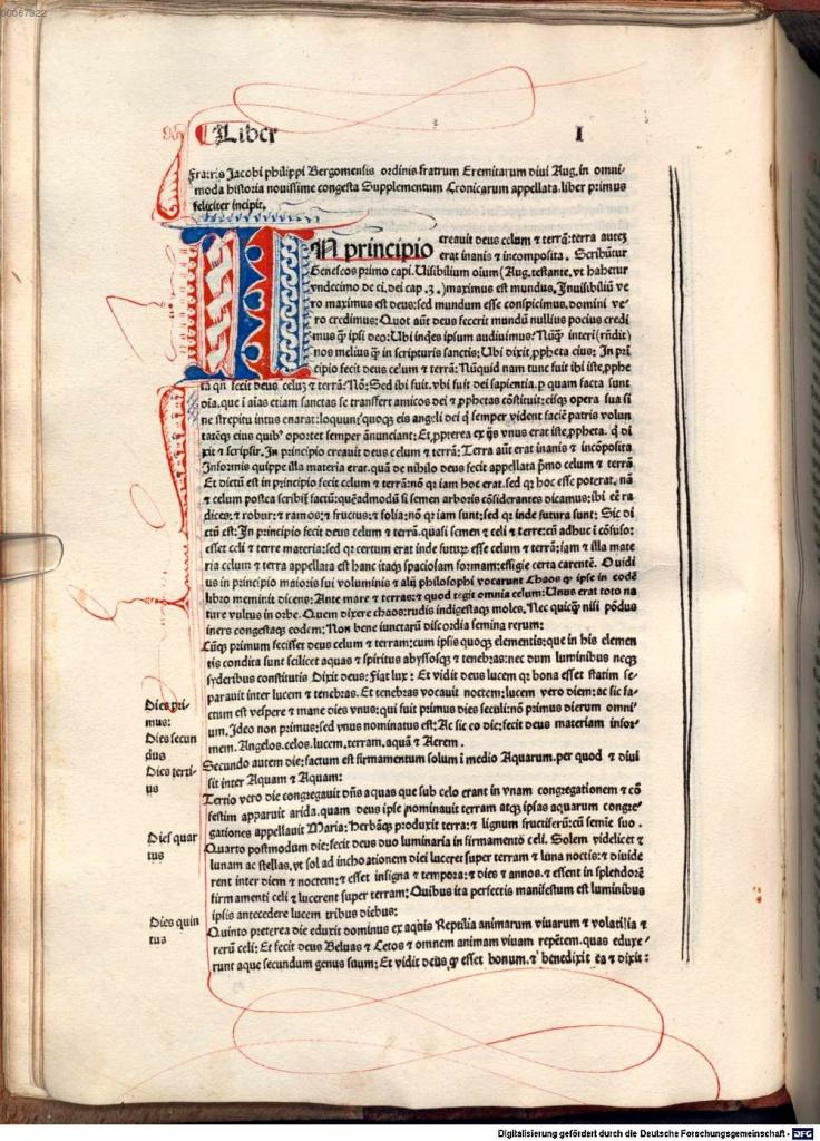 《年鑑補遺》第二版第一卷 第一頁,搭配手繪起首大寫花飾字母。第一行便印出作者身份:聖奧古斯丁隱士修會修士Jacobi philippi Bergomensis(作者拉丁文名字)。