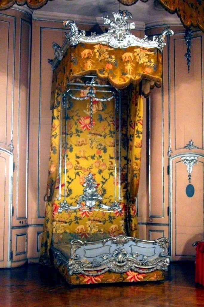 新宮中臥室的床