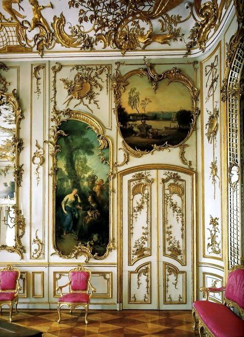 無憂宮中房間的洛可可風室內裝飾。