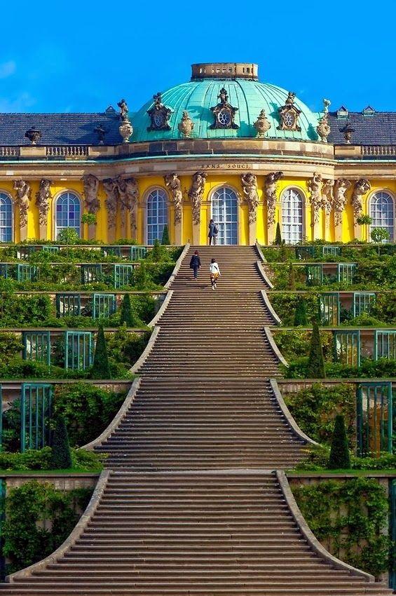 通往無憂宮的階梯。