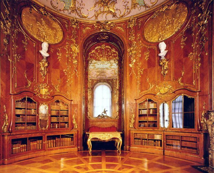 菲特烈二世無憂宮中的圖書室。