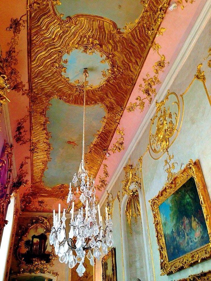 無憂宮的天花板裝飾。