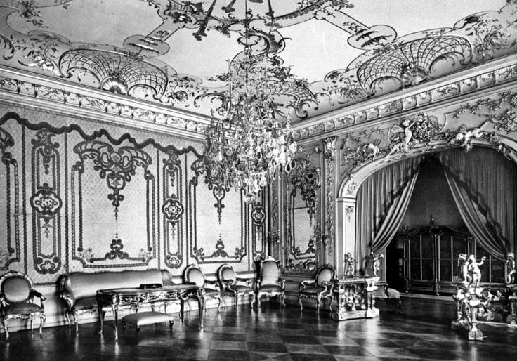城市宮,菲特烈大帝的辦公室與臥房,1940前。室內裝飾展現菲特烈的洛可可風。